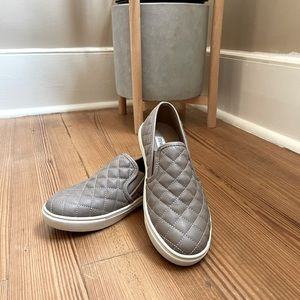 Steve Madden beige slip-on sneakers SIZE 6M